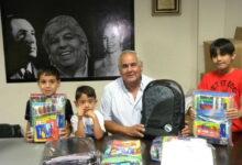 Photo of Camioneros arranca con la entrega del kit escolares